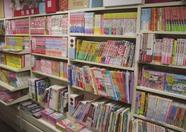 Books, magazines and Japanese writing goods are all present here. (Okura)