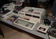 Some guy sold a lot of Spectravideo equipment. Here you can see an SVI-318 and an SVI-605B Super Expander in the centre