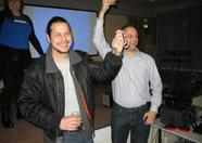 John Hassink and Jorito teamed up and won the final prize in the music quiz